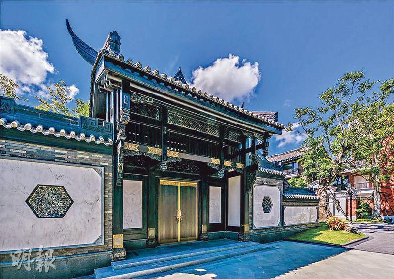 (圖、圖2)香洲埠一期建造的136座四合院,採用寬街、窄巷、四合院傳統佈局設計,花近5年時間建成,整個項目一共佔地101萬方呎。