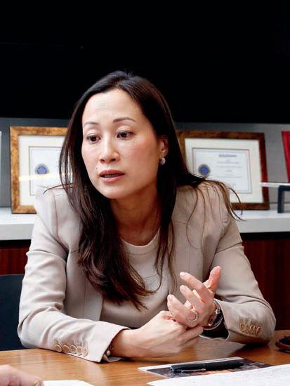 陳愛詩表示,公司成立專業研究團隊,協助基金經理選擇具長期增長潛力的股票。
