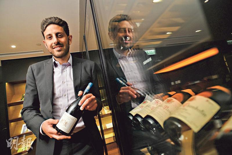 高特葡萄酒投資總經理Joe Alim表示,其實波爾多名牌酒的副牌(Second Wine)價格較正牌低近一半,吸引到龐大需求,而且價格升值潛力同樣可觀。(蘇智鑫攝)