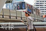在曼谷置業,宜找地鐵及BTS沿線的樓盤,以Ari區為例,鄰近輕軌站的住宅與較遠離輕軌站的樓盤價格,最多可相差兩倍。