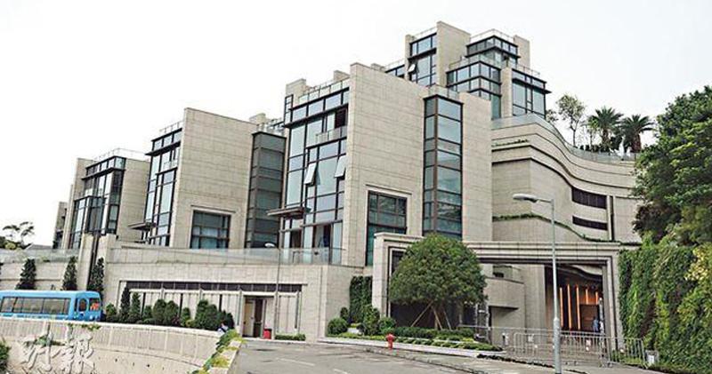 TWELVE PEAKS 8號屋買家付2.19億辣稅入市