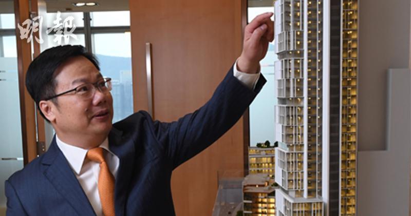 中國奧園主席郭梓文表示,內地資金環境過去一個多月已有所鬆動,而且隨着美國政局可能出現變化,貿易戰隨時可以出現轉機,故他對內地樓市長遠前景仍樂觀。(劉焌陶攝)