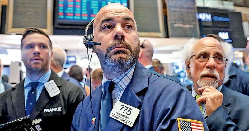 指數換馬 美股成交4萬億 科技股基金被沽 FANG領跌