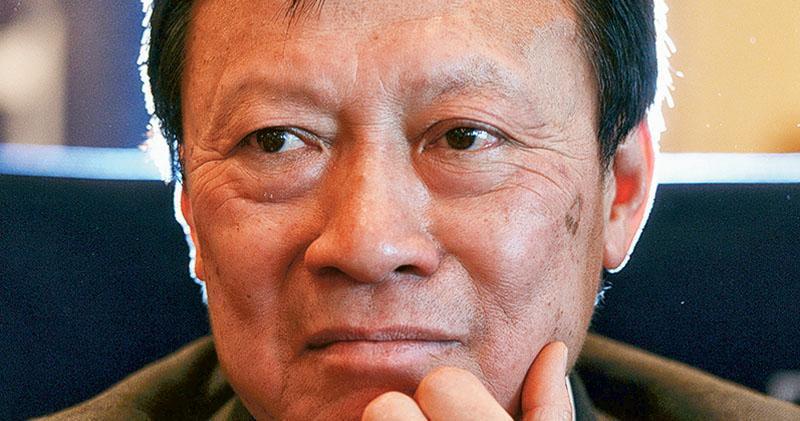 郭炳湘長子入董事局  代父掌帝國  母親李天穎發聲明翌日上任  暫仍兼任新地子公司
