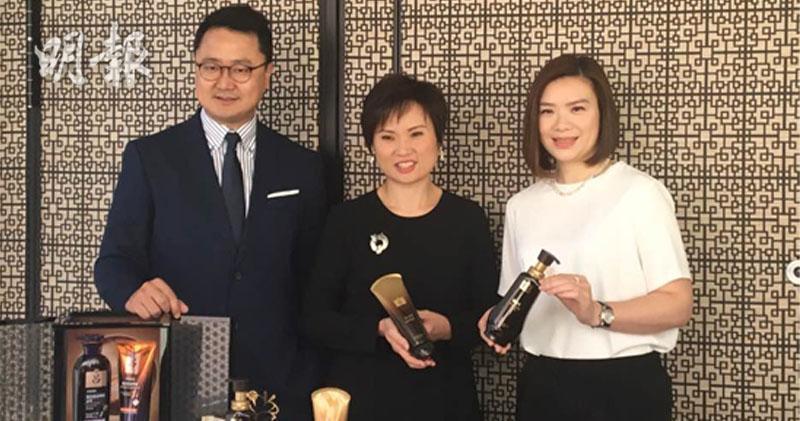 左起:Amorepacific市務總監鄭載歡、董事總經理葉豐盈、品牌總經理蘇可茵。