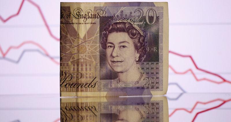 英脫歐大臣辭職 鎊匯突急挫逾百點 兌港元見10算邊緣