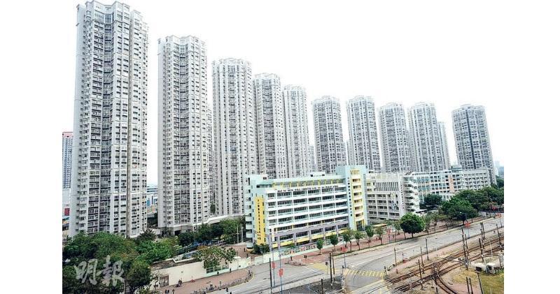 嘉湖大三房單位實呎8254元成交,見今年新低。