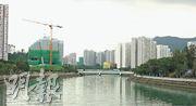 弦海位於屯門業旺路,毗鄰屯門河,預計高層向南單位可享河景。(攝影 劉焌陶)