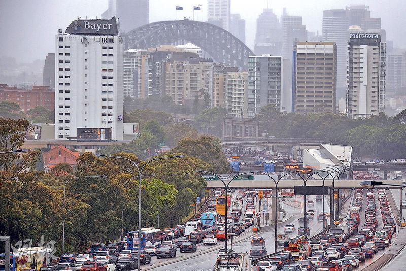 澳洲樓市過去5年升至歷史高位後,今年有所回落,有分析員預期,澳洲以悉尼為首的房地產市場有機會調整。圖為悉尼市中心。(路透社)