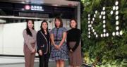 圖為K11資深營運董事(香港)胡玉君(左二)及營運總經理林慧中(右二)。