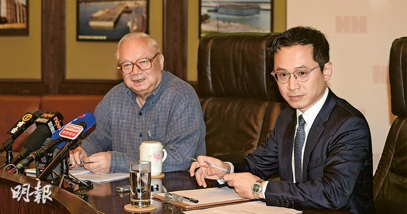 胡應湘(左)擁有的財團提出以每股38.8元私有化合和,其子胡文新(右)雖是一致行動人士,但沒加入提出私有化的財團。