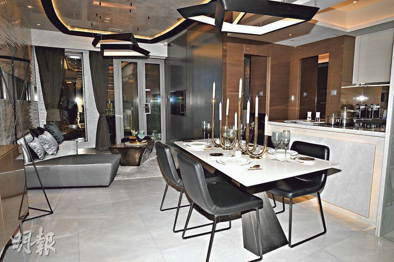 發展商開放實用面積907方呎的示範單位,原則屬3房1套間隔。(攝影 賴俊傑)