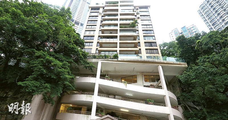 資料顯示,龍光的公司相關人士過去兩年斥資至少2.6億元,收購羅便臣道豪宅夏蕙苑(圖)至少6伙單位,該屋苑同時為恒地收購目標。(資料圖片)