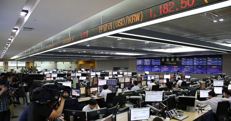 環球股市疲弱 亞股收跌逾1%