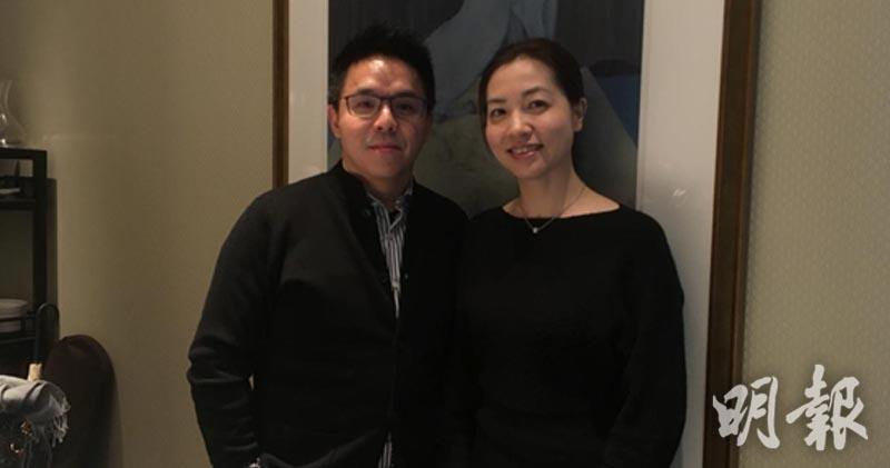 左 首席財務官兼公司秘書王煒華 右 投資者關係主管 孫潔
