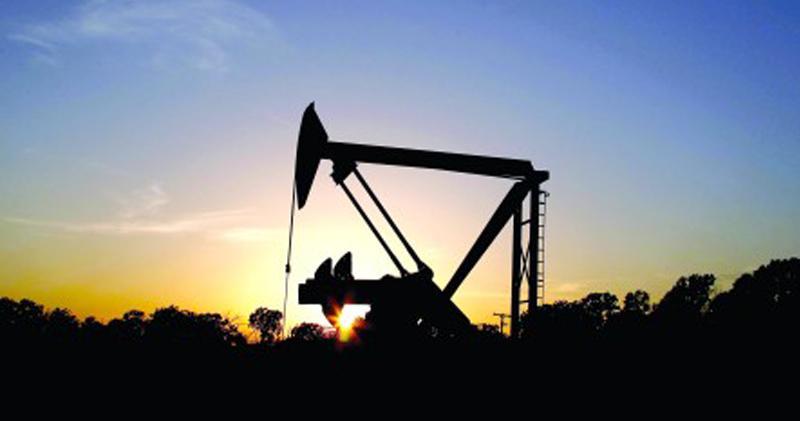 油價續升,石油石化股今早上揚。