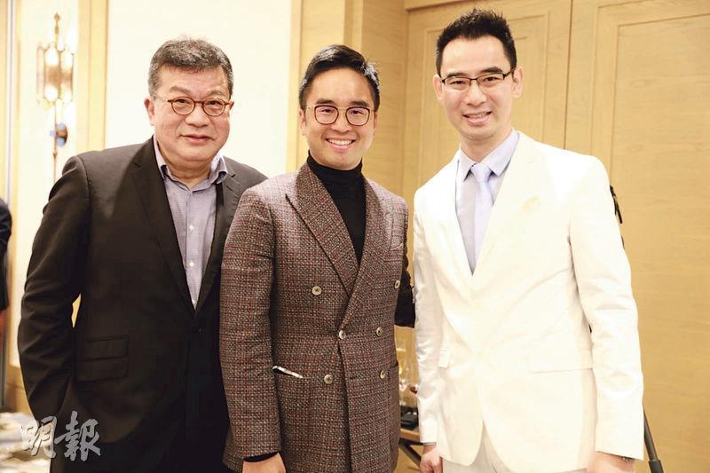 作者上周五應基金經理陳德豪(右)邀請,去了一個私人投資高峰會。與會者包括新世界副主席鄭志剛(中)及紀惠集團行政總裁湯文亮(左)。