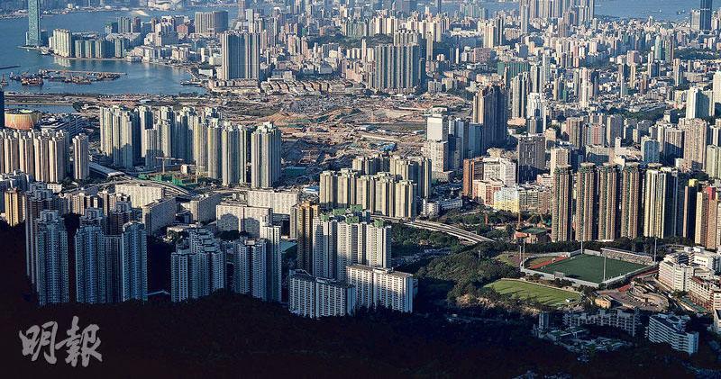 本地地產股今早繼續受追捧。