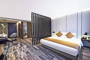 TANG'S LIVING GROUP旗下悅品酒店.荃灣位於葵涌工廠區,由工廈活化而成,屬四星級酒店。