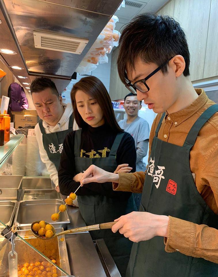 林日曦先後在facebook及ig發布入股渣哥的文章,並透露正在九龍灣分店學習。(林日曦Facebook截圖)
