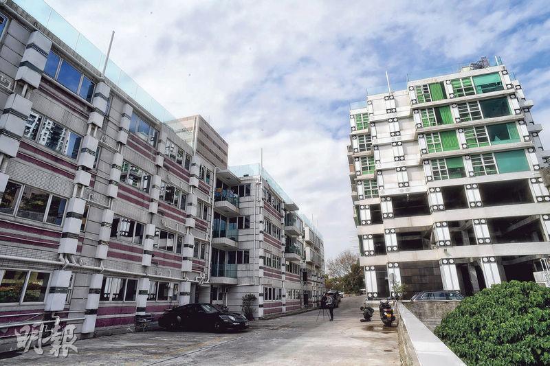 趙苑3期由兩幢大廈組成,採低密度設計,單位總數41伙。