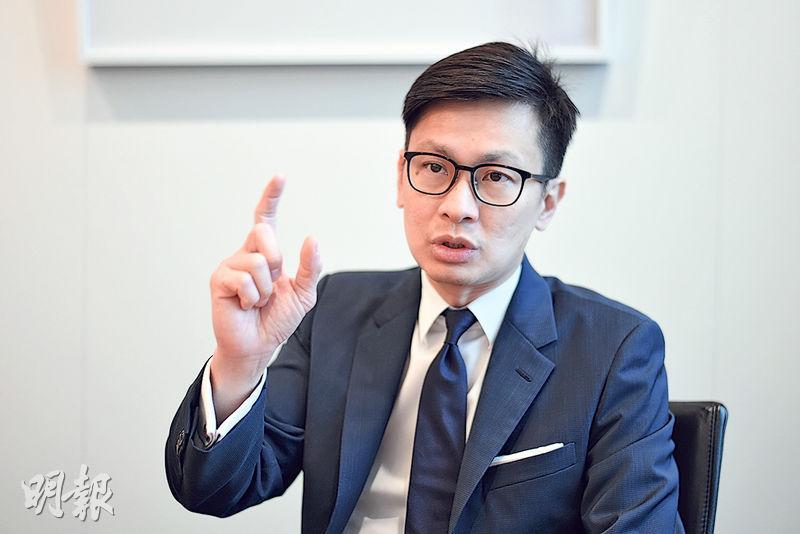 鄭汪清認為,中國在2008年金融海嘯後興建「四縱四橫」的高鐵網絡,現已成全國主要城市的交通樞紐,帶動「互聯網+」經濟外,亦促進旅遊及地產兩大支柱行業的發展。(鍾林枝攝)