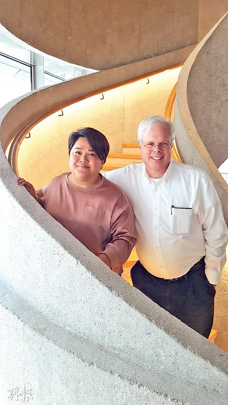 Finn Partners創辦合伙人Peter Finn(右)表示,長遠中國內地仍然是亞洲最重要的訪客及旅遊市場。(陳偉燊攝)