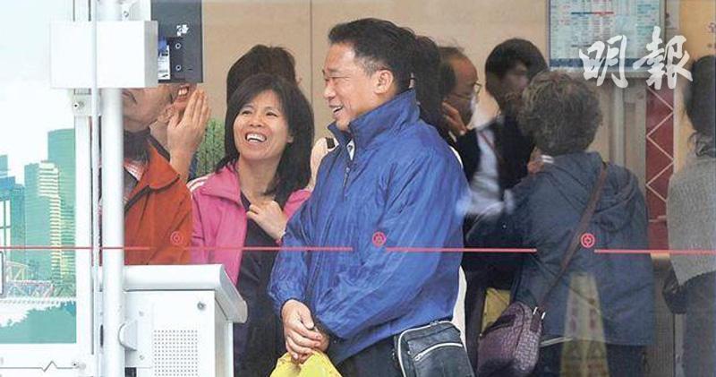 【港股收市】港股全日收升446點 石油5G股齊揚