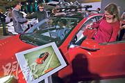 《消費者報告》稱,接獲Model 3(圖)車主多宗投訴,對其可靠度感到懷疑。圖為加拿大國際車展。(路透社)