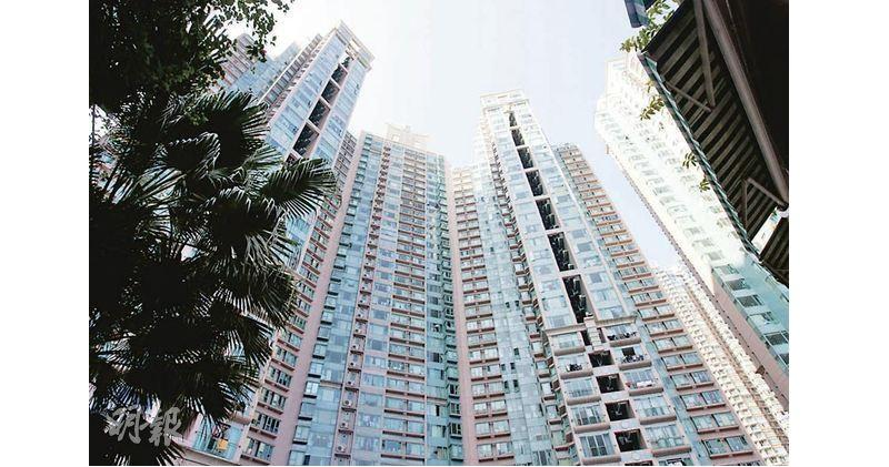 翠擁三房減價2%後980萬沽出  呎價近1.2萬