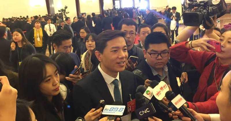 百度李彥宏(圖中央)表示,暫未開始研究是否回歸在內地科創板上市。(李哲毅攝)