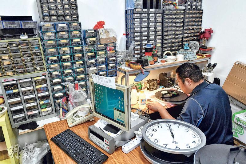 確時只有6名全職員工,雖然產品是交由內地廠商代工生產,但研發和設計工作都在香港進行,相對於日本和德國公司的人力物力,算是非常難得。(鄧宗弘攝)