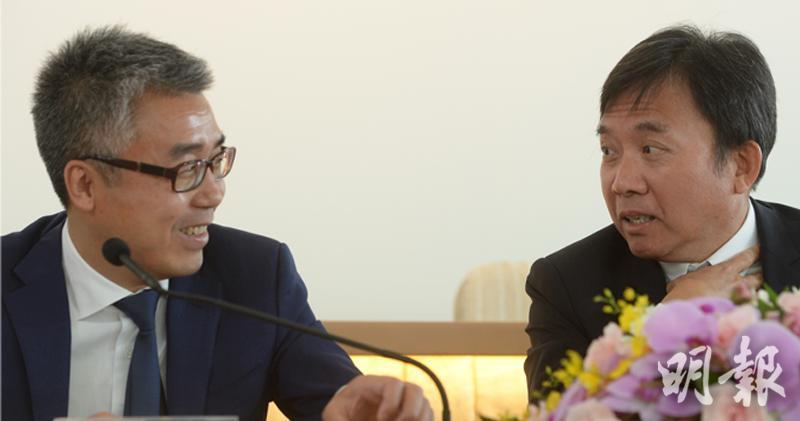星美計劃將涉及逾23億元貸款「債轉股」,但「債主」之一的TVB未知是否包括在內。圖為TVB大股東兼副主席黎瑞剛(左)及主席陳國強(右)。