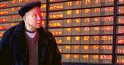 經歷上周的調整,A股昨日好消息再現,除了外資重現淨流入,上市公司亦陸續宣布股份回購,以支持股價。昨日上證綜指升1.1%,一度再挑戰3100點。深圳創業板大升2.64%,今年已累升四成。(新華社)