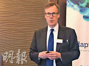 霸菱Christopher Smart指,由於美國消費者的強勁表現,環球經濟今年仍然不大可能陷入衰退。