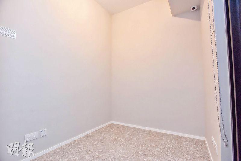 單位房間面積約55方呎,間隔方正。