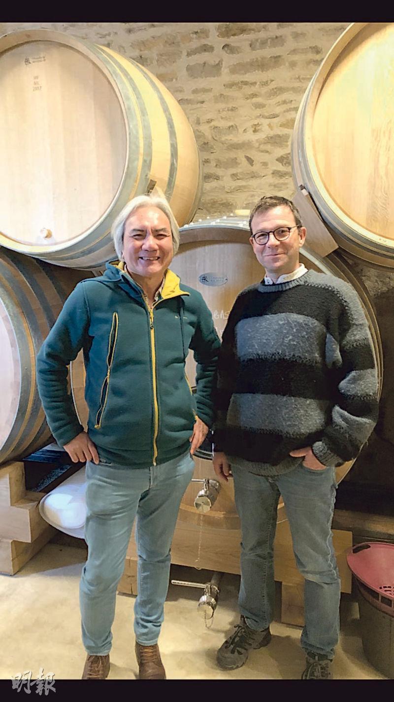 在Arnaud Ente的酒窖傾聽他細說釀酒工藝心得,背後這些新橡木桶在釀酒過程中的比例,被嚴格控制在20%以下。