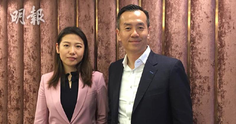 圖左起:集團投資者關係經理邱天、行政總裁呂小強(蕭嘉聰攝)