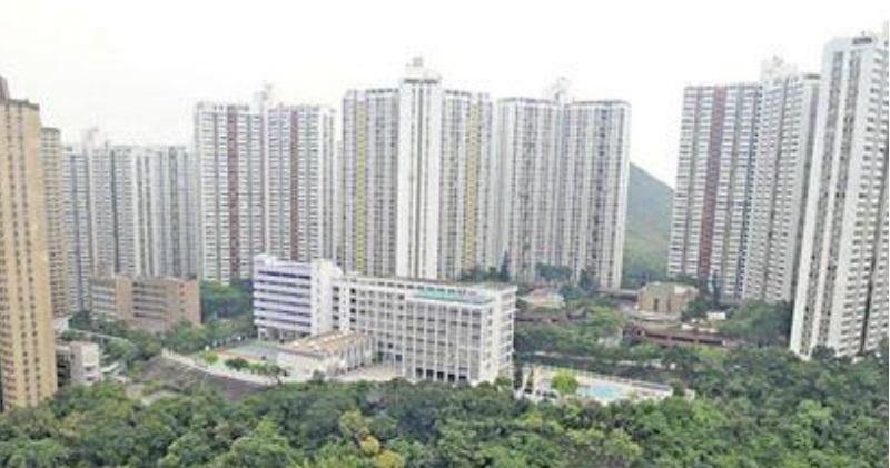 鴨脷洲利東邨一伙實用490方呎高層戶,成交價450萬元。