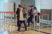 新地昨日以發價單形式推售晉海II,消息指售出約26伙;圖為昨日九龍站環球貿易廣場售樓處的情况。(蘇智鑫攝)