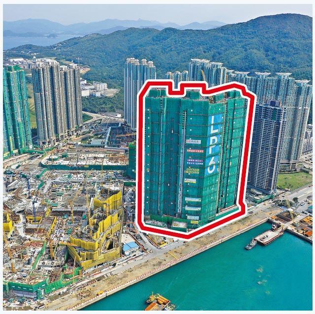 南豐等合作發展的將軍澳日出康城LP6(紅框示),獲台灣湯普集團連掃13伙,連同5800萬元辣稅,共涉資2.51億元。(資料圖片)