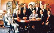 李兆基(左二)、李嘉誠(右二)及鄭裕彤(右一)交遊廣闊,不但商界朋友眾多,有指一同組成「大D會」,齊齊在股壇搵食。(資料圖)