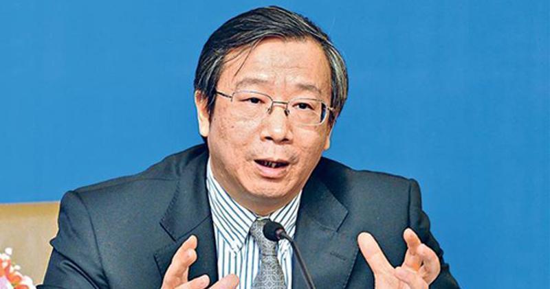 易綱:中國有巨大政策空間應對貿易戰