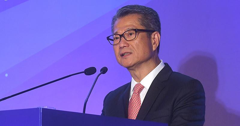 陳茂波表示,循標準認證等四方面發展本港綠色金融。(截自新聞處圖片)