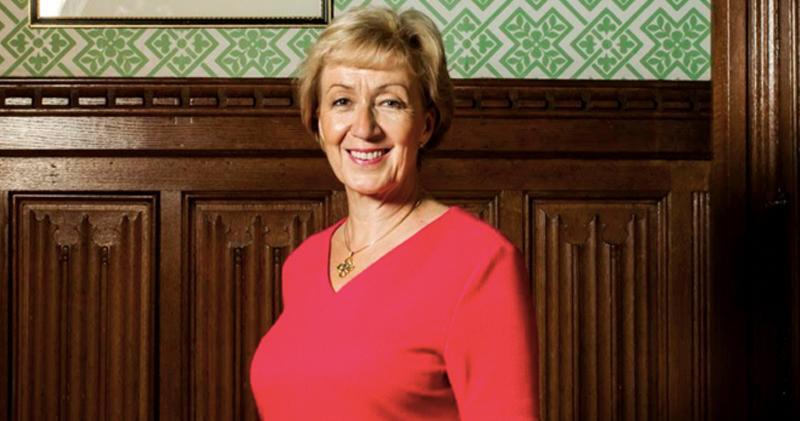 英國商務大臣:將「仔細研究」對倫交所的任何投資