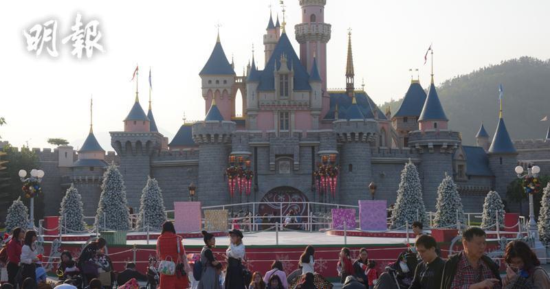 迪士尼第四財季利潤跌54% 港迪士尼利潤料受示威打擊