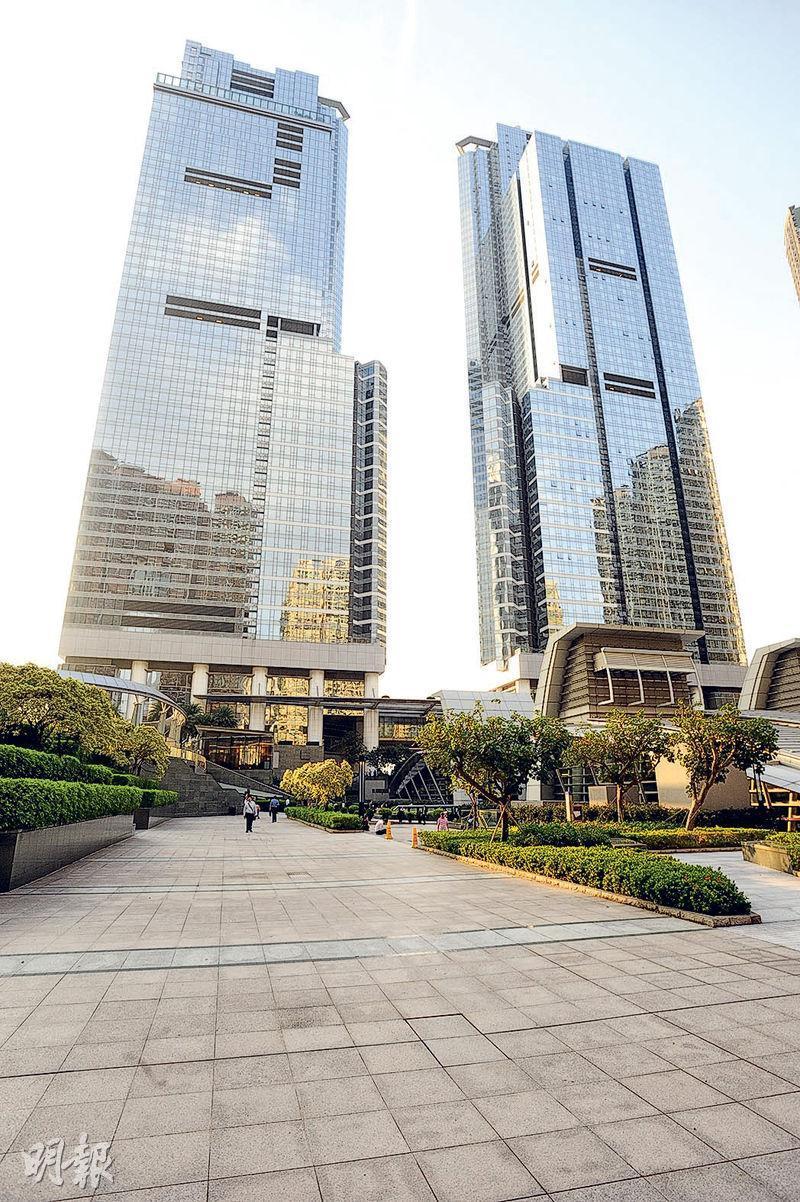九龍站天璽有2房戶放租4個月後,新近劈價至3.5萬元租出,租金水平較2年前更低。(資料圖片)