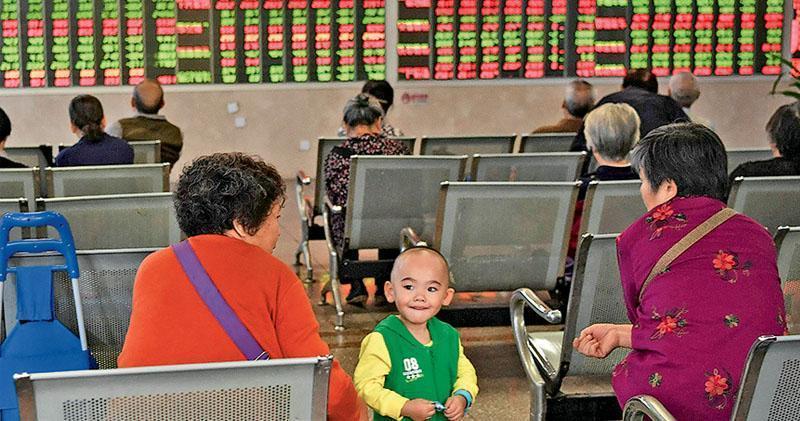 滬指獨憔悴 半日跌0.06%
