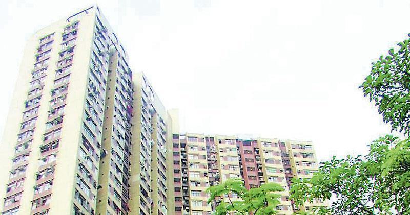 顯徑邨可作3房間隔單位以已補地價618萬沽售。