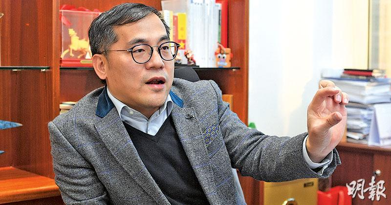 奧陸資本總裁兼投資總監蔡金強(圖)認為,現時可能除了香港政府和社會政治中立的一些有錢人外,不同派別人士都似乎不介意經濟轉差。(楊柏賢攝)